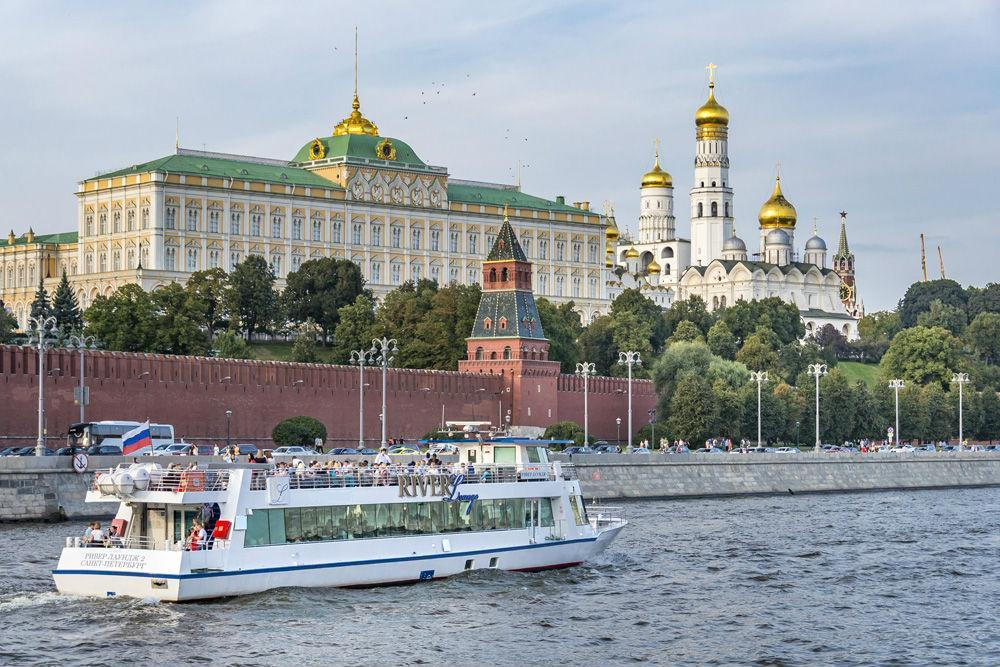 """Прогулка на теплоходе """"Ривер Лаунж"""" по Москве-реке VIP"""